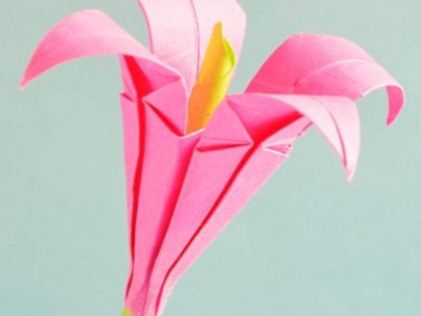 Weave a Flower - Weaving with paper plates and yarn & May 25 | Weave a Flower - Weaving with paper plates and yarn ...
